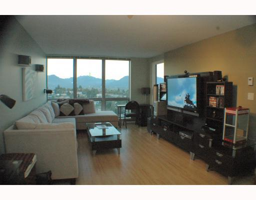 "Photo 4: 1810 3663 CROWLEY Drive in Vancouver: Collingwood VE Condo for sale in ""LATTITUDE"" (Vancouver East)  : MLS(r) # V789342"