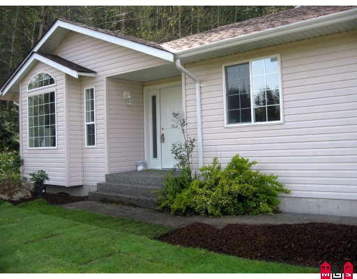 Main Photo: 45952 GURNEY Road in Cultus_Lake: Cultus Lake House for sale : MLS®# H2803372