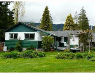 Main Photo: 999 REED Road in Gibsons: Gibsons & Area House for sale (Sunshine Coast)  : MLS®# V752207