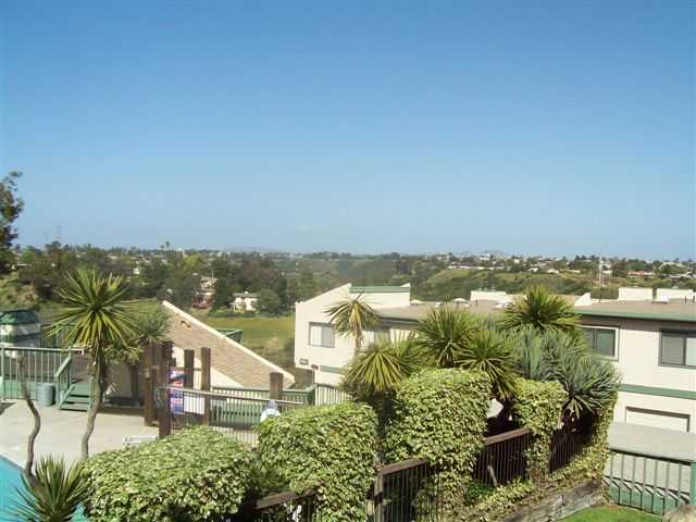 Main Photo: CLAIREMONT Condo for sale : 2 bedrooms : 2915 Cowley Way #C in San Diego