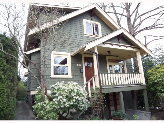Main Photo: 895 E 14TH Avenue in Vancouver: Mount Pleasant VE House for sale (Vancouver East)  : MLS® # V817059
