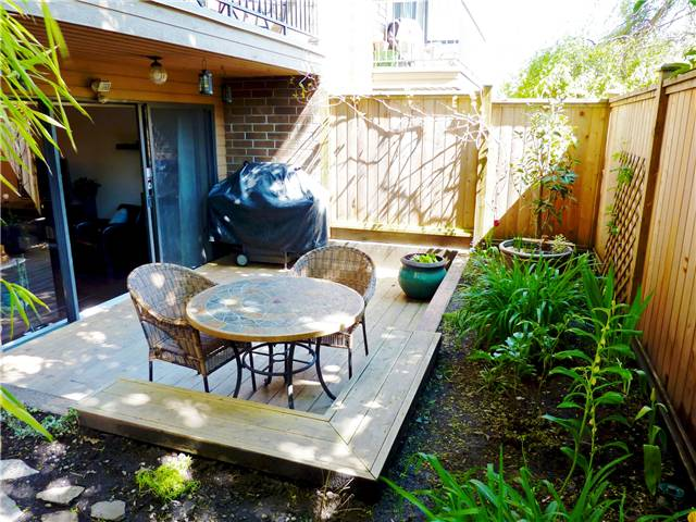 "Photo 3: 105 3264 OAK Street in Vancouver: Cambie Condo  in ""THE OAKS"" (Vancouver West)  : MLS(r) # V824493"