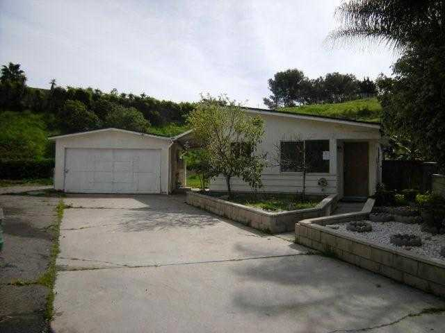 Main Photo: OCEANSIDE House for sale : 3 bedrooms : 3953 Cameo