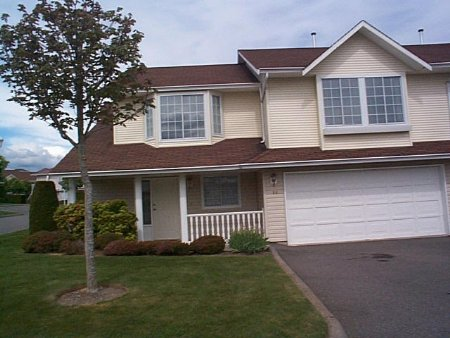 Main Photo: 44 31255 UPPER MACLURE RD: House for sale (Clearbrook)  : MLS® # 2411639