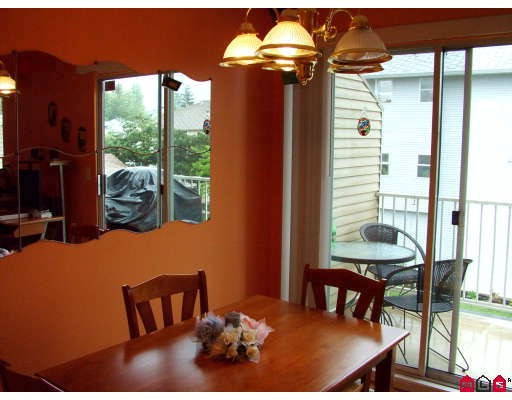 "Photo 3: 32 3087 IMMEL Street in Abbotsford: Central Abbotsford Townhouse for sale in ""CLAYBURN ESTATES"" : MLS(r) # F2910246"