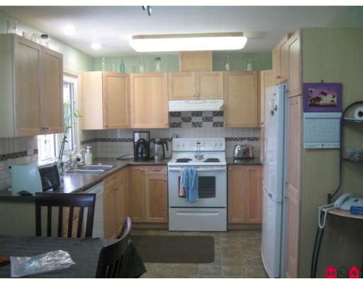 Photo 3: 2296 ALEXANDER Crescent in Abbotsford: Central Abbotsford House for sale : MLS(r) # F2919480