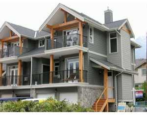 "Main Photo: 31 39760 GOVERNMENT RD: Brackendale Townhouse for sale in ""ARBOURWOODS"" (Squamish)  : MLS(r) # V577552"