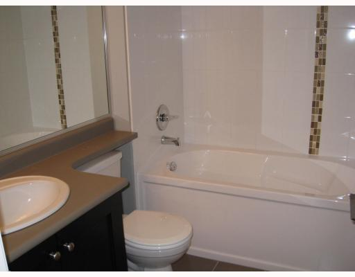 "Photo 3: 203 3150 VINCENT Street in Port_Coquitlam: Glenwood PQ Condo for sale in ""BREYERTON"" (Port Coquitlam)  : MLS(r) # V749180"