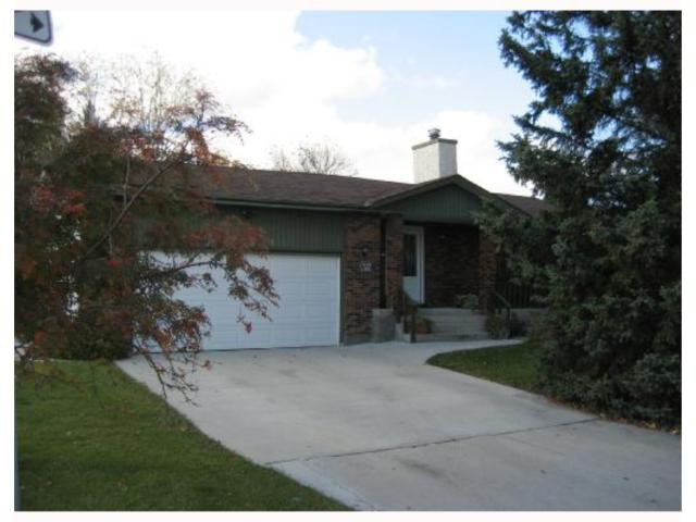Main Photo: 696 CATHCART Street in WINNIPEG: Charleswood Residential for sale (South Winnipeg)  : MLS® # 2820056