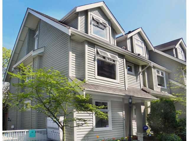 "Main Photo: 1809 NAPIER Street in Vancouver: Grandview VE Townhouse for sale in ""Salsbury Heights"" (Vancouver East)  : MLS®# V823661"
