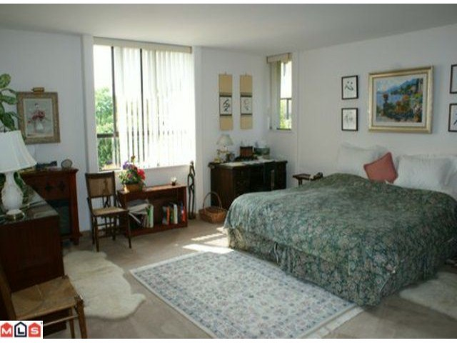 Photo 7: 1229 MARTIN Street: White Rock House 1/2 Duplex for sale (South Surrey White Rock)  : MLS(r) # F1020789