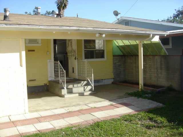Photo 10: UNIVERSITY HEIGHTS Residential for sale : 2 bedrooms :  in San Diego