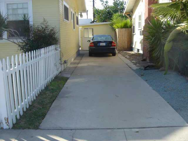 Photo 2: UNIVERSITY HEIGHTS Residential for sale : 2 bedrooms :  in San Diego