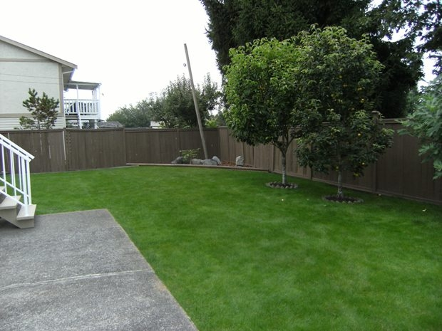 "Photo 10: 6472 130A Street in Surrey: West Newton House for sale in ""DEER PARK"" : MLS® # F2827525"