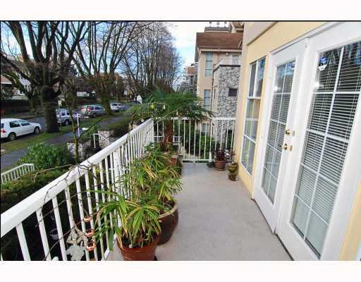 "Photo 9: 208 611 W 13TH Avenue in Vancouver: Fairview VW Condo for sale in ""TIFFANY COURT"" (Vancouver West)  : MLS® # V810413"