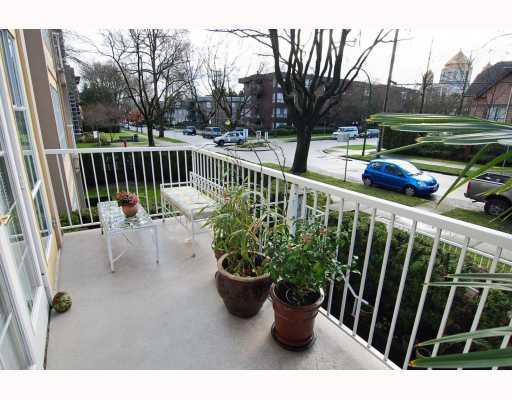 "Photo 10: 208 611 W 13TH Avenue in Vancouver: Fairview VW Condo for sale in ""TIFFANY COURT"" (Vancouver West)  : MLS® # V810413"