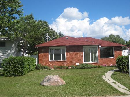 Main Photo: 119 ADDISON CR: RED for sale (Canada)  : MLS® # 1014979