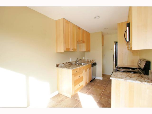 Photo 5: PACIFIC BEACH Condo for sale : 1 bedrooms : 825 1/2 MISSOURI