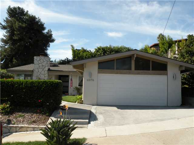 Main Photo: PACIFIC BEACH House for sale : 4 bedrooms :  in San Diego