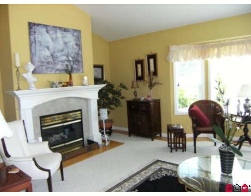 Photo 2: 7868 154TH Street in Surrey: Fleetwood Tynehead House for sale : MLS(r) # F2912897