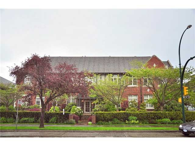 "Main Photo: 104 1811 W 16TH Avenue in Vancouver: Kitsilano Condo for sale in ""CEDAR MEWS"" (Vancouver West)  : MLS® # V828177"