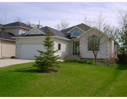 Main Photo: 35 BLOOMER Crescent in WINNIPEG: Charleswood Residential for sale (South Winnipeg)  : MLS®# 2808945
