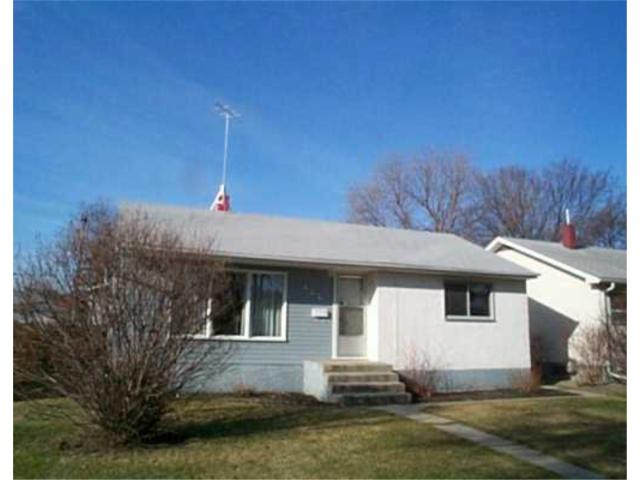 Main Photo: 444 HELMSDALE Avenue in WINNIPEG: East Kildonan Residential for sale (North East Winnipeg)  : MLS® # 2404723