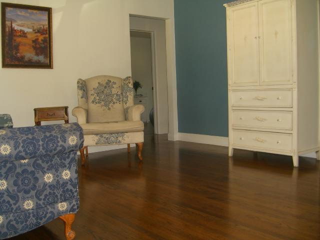 Photo 3: LINDA VISTA House for sale : 3 bedrooms : 3475 Ashford St in San Diego