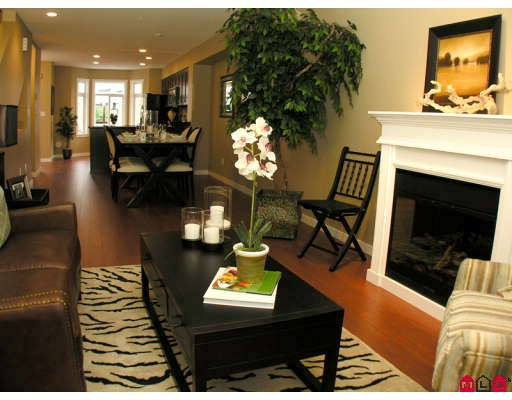 "Photo 2: 7 2865 273RD Street in Langley: Aldergrove Langley Townhouse for sale in ""EMMY LANE"" : MLS(r) # F2827856"