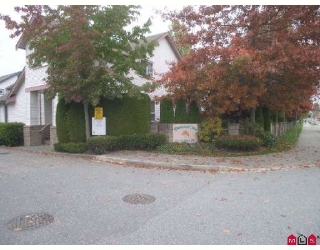 "Main Photo: 38 16155 82ND Avenue in Surrey: Fleetwood Tynehead Townhouse for sale in ""FLEETWOOD OAKS"" : MLS® # F2830959"