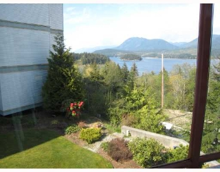 "Main Photo: 211 5780 TRAIL Avenue in Sechelt: Sechelt District Condo for sale in ""THE BLUFF ~ EASTWIND"" (Sunshine Coast)  : MLS®# V763637"