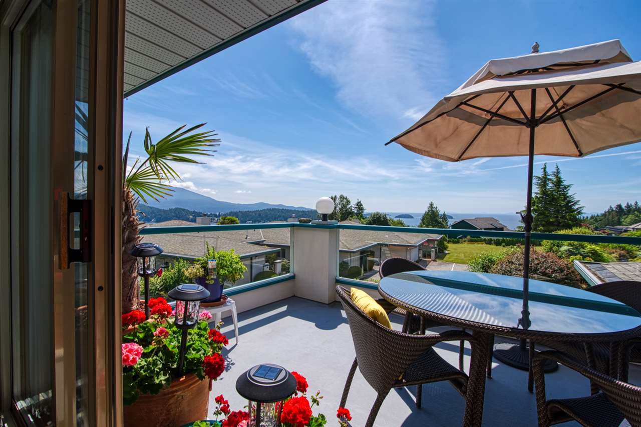 FEATURED LISTING: 8 - 554 EAGLECREST Drive Gibsons