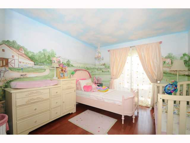Photo 14: CHULA VISTA House for sale : 5 bedrooms : 749 Creekside