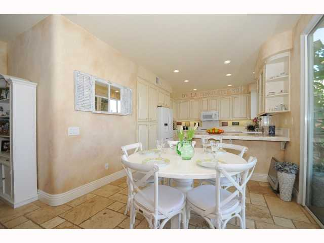 Photo 9: CHULA VISTA House for sale : 5 bedrooms : 749 Creekside