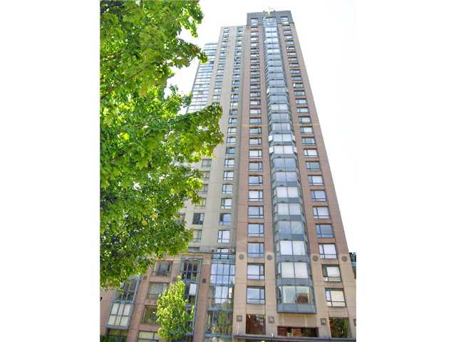 "Main Photo: 2006 388 DRAKE Street in Vancouver: Downtown VW Condo for sale in ""GOVERNORS TOWER"" (Vancouver West)  : MLS® # V865201"