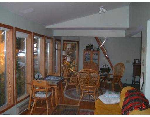"Photo 3: 4579 STALASHEN DR in Sechelt: Sechelt District House for sale in ""TSAWCOME"" (Sunshine Coast)  : MLS(r) # V558978"