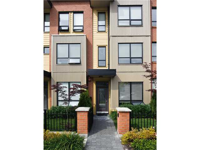 "Main Photo: 1871 STAINSBURY Avenue in Vancouver: Victoria VE Townhouse for sale in ""THE WORKS"" (Vancouver East)  : MLS® # V834837"