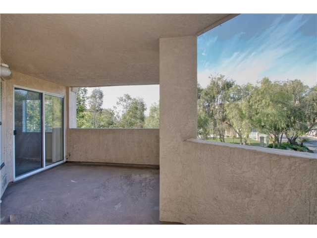 Photo 4: SCRIPPS RANCH Condo for sale : 3 bedrooms : 11365 AFFINITY #194 in San Diego