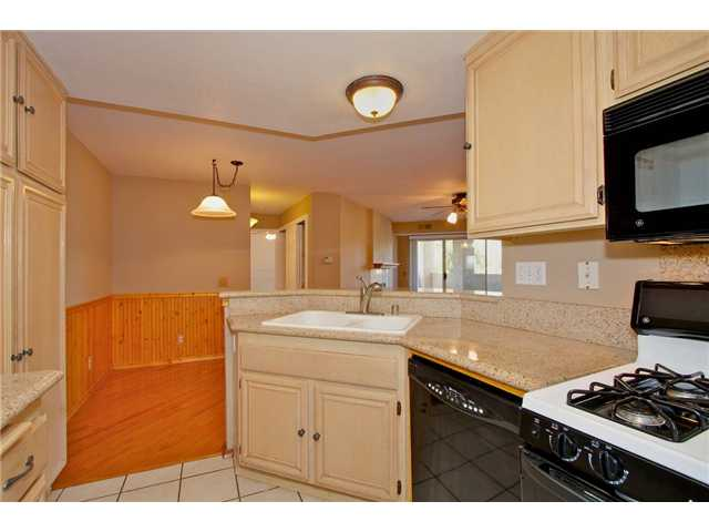 Photo 2: SCRIPPS RANCH Condo for sale : 3 bedrooms : 11365 AFFINITY #194 in San Diego