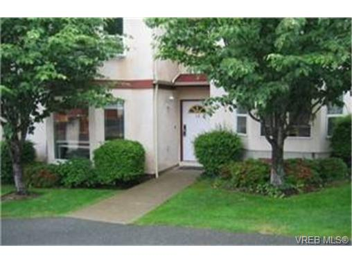 Main Photo: 10 4540 West Saanich Road in VICTORIA: SW Royal Oak Townhouse for sale (Saanich West)  : MLS® # 231249