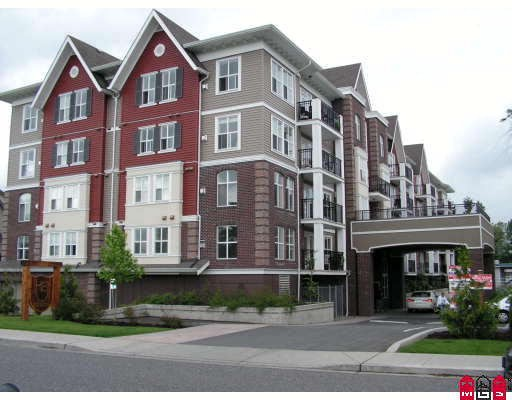 "Main Photo: 303 8933 EDWARD Street in Chilliwack: Chilliwack W Young-Well Condo for sale in ""KING EDWARD"" : MLS® # H2900560"