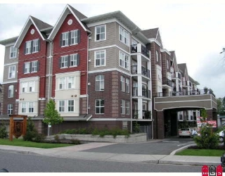 "Main Photo: 303 8933 EDWARD Street in Chilliwack: Chilliwack W Young-Well Condo for sale in ""KING EDWARD"" : MLS®# H2900560"
