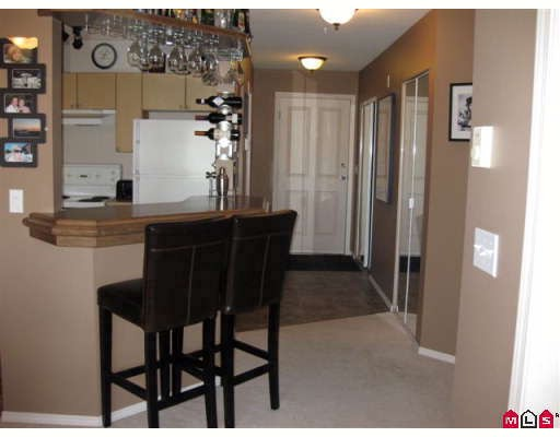 "Photo 4: 308 10186 155TH Street in Surrey: Guildford Condo for sale in ""SOMMERSET"" (North Surrey)  : MLS(r) # F2905809"