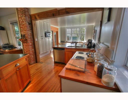 Photo 2: 852 E PENDER Street in Vancouver: Mount Pleasant VE House for sale (Vancouver East)  : MLS® # V764931