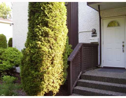 "Main Photo: 5142 HASTINGS Street in Burnaby: Capitol Hill BN Townhouse for sale in ""MAYWOOD"" (Burnaby North)  : MLS® # V784480"