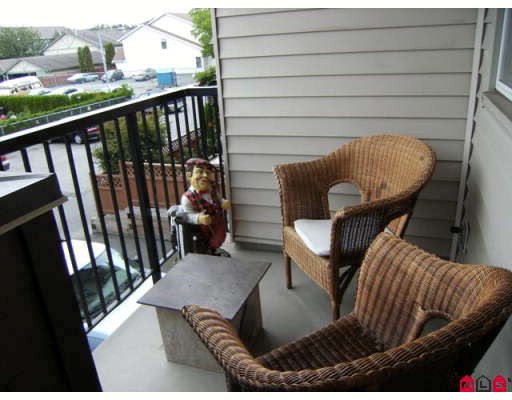 "Photo 9: 203 5465 203RD Street in Langley: Langley City Condo for sale in ""STATION 54"" : MLS® # F2919876"