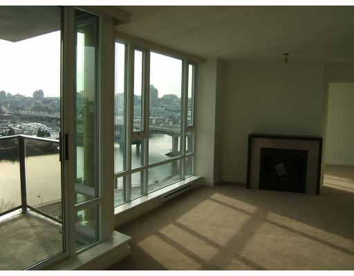 "Photo 4: 1205 918 COOPERAGE Way in Vancouver: False Creek North Condo for sale in ""MARINER"" (Vancouver West)  : MLS® # V787134"