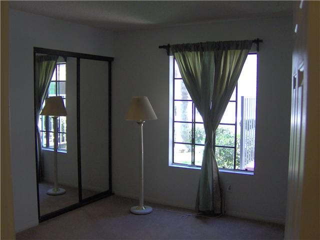Photo 9: BAY PARK Condo for sale : 2 bedrooms : 2630 Erie #8 in San Diego