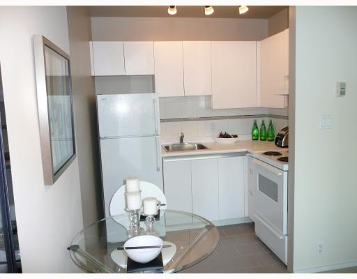 "Photo 3: 805 989 NELSON Street in Vancouver: Downtown VW Condo for sale in ""THE ELECTRA"" (Vancouver West)  : MLS® # V792997"