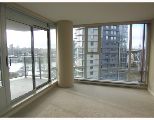 "Photo 7: 1003 583 BEACH Crescent in Vancouver: False Creek North Condo for sale in ""TWO PARK WEST"" (Vancouver West)  : MLS® # V803501"